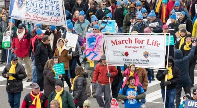 womans-march-compared-to-march-for-life